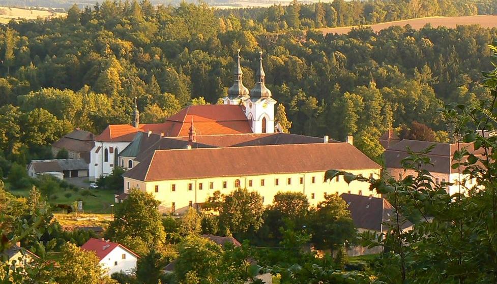 Z webu: Přečkal dobu husitů i komunistů. V Želivském klášteře se ozývají modlitby již více než 880 let