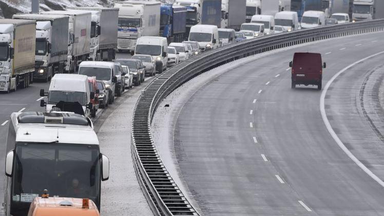 Na dálnici D1 se vracejí dělníci. Letos na téměř 50 kilometrů