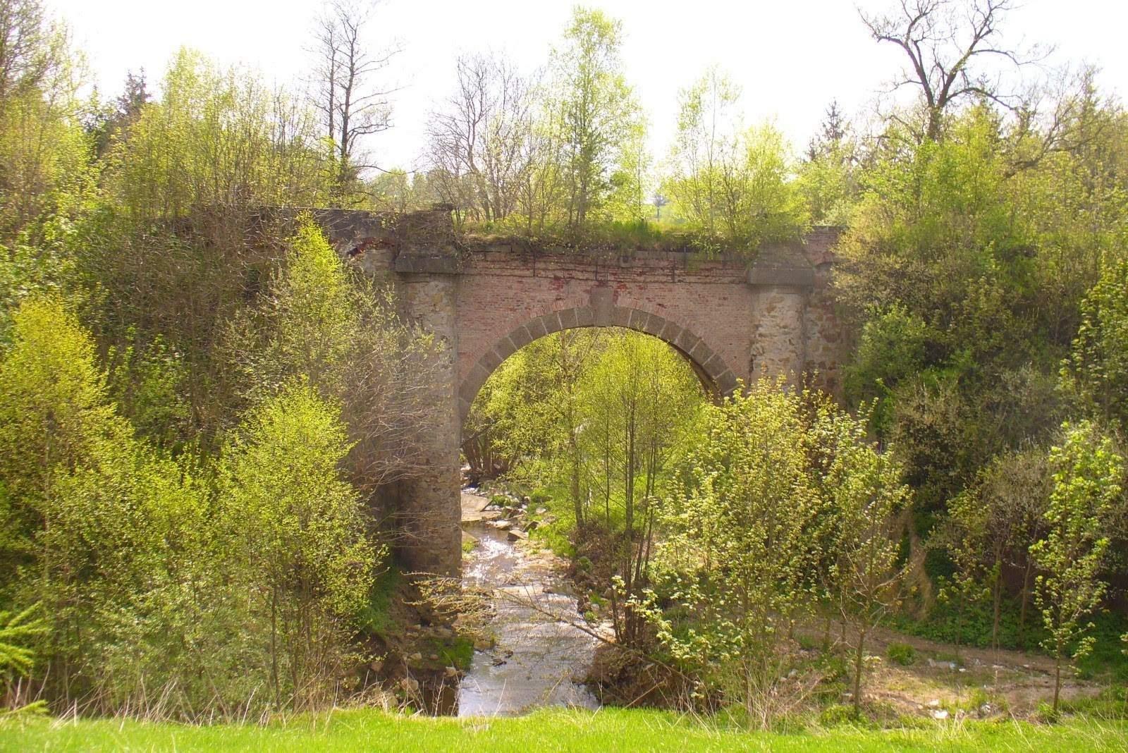 Tip na výlet: Most, který skončil na skládce